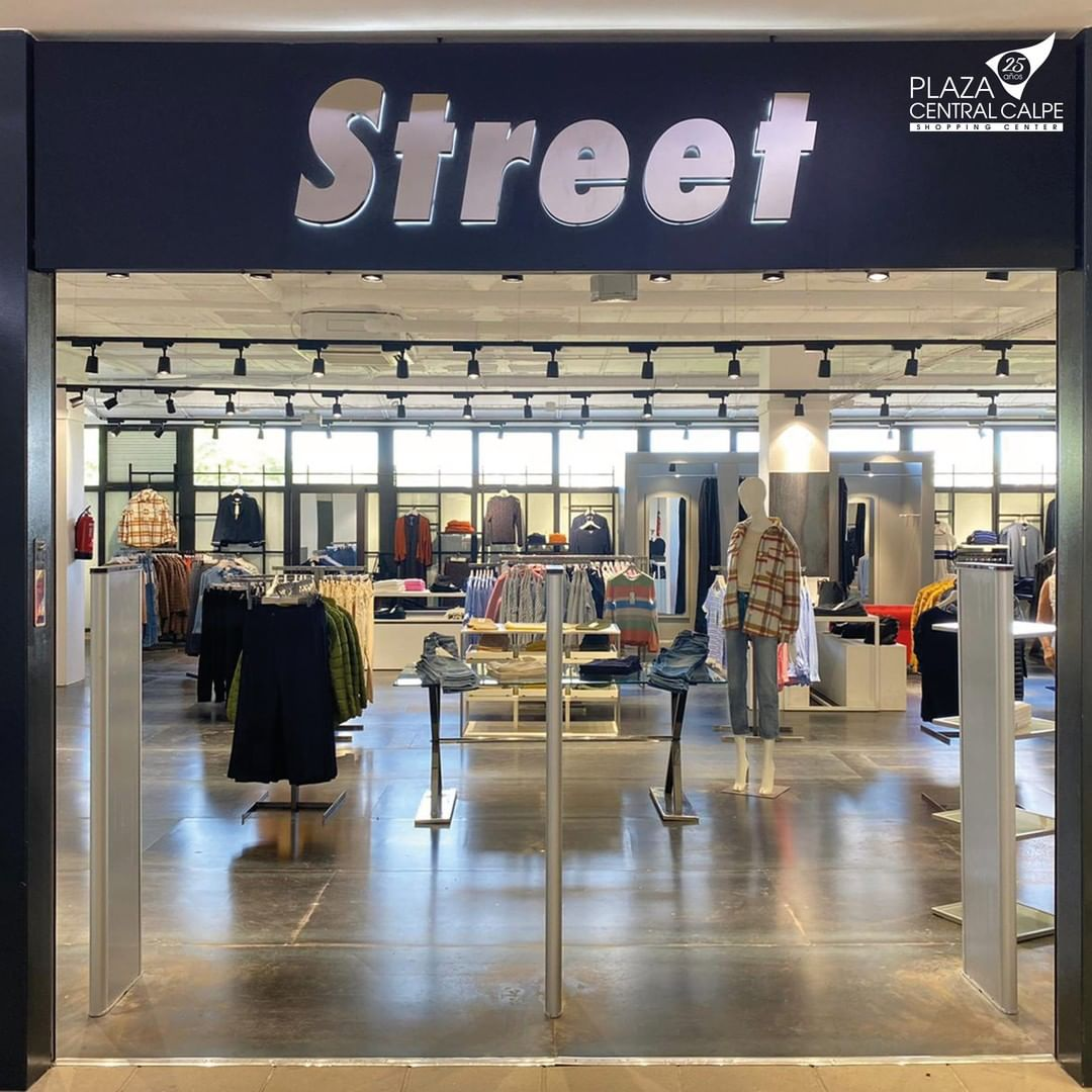 STREET-en-plaza-central-calpe (6)
